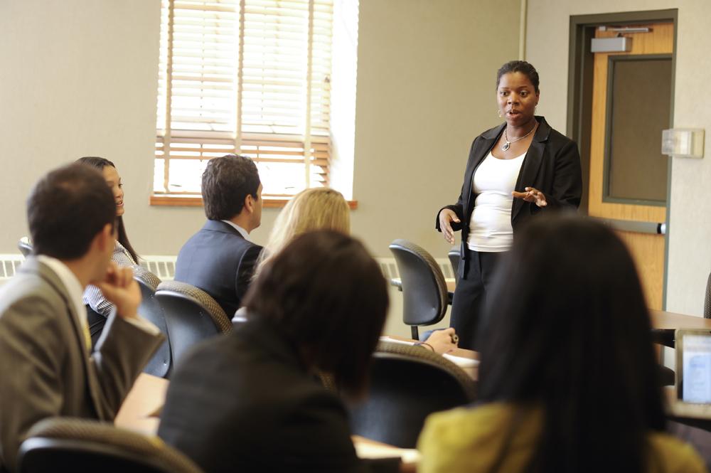 Professor Folami delivers a lecture.